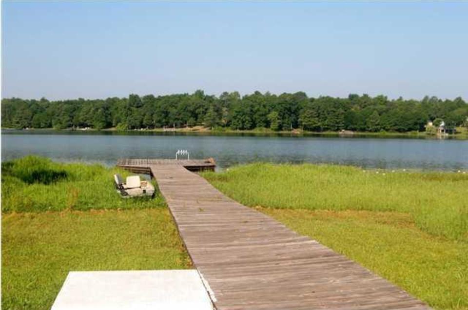 706 Paradise Island Drive, Defuniak Springs, FL 32433