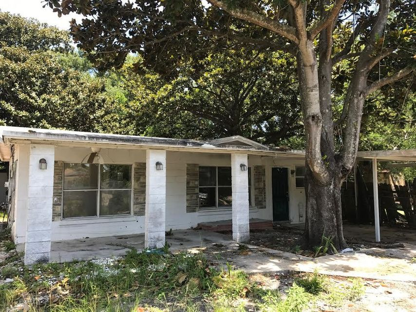 21 SE Windham Avenue, Fort Walton Beach, FL 32548