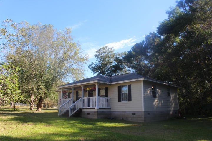 3894 Sunnyside Avenue, Laurel Hill, FL 32567
