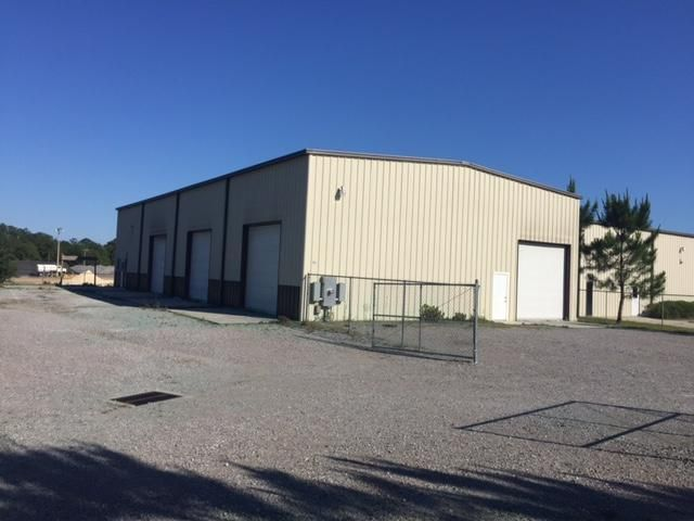 90 Industrial Court, Freeport, FL 32439