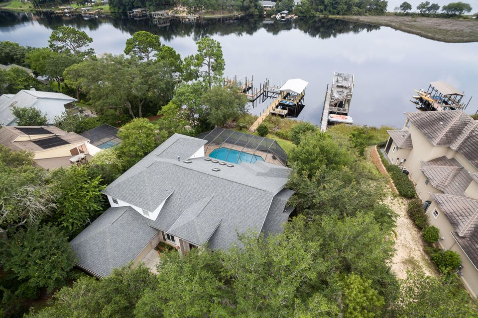 A 4 Bedroom 2 Bedroom North Lake Pippin Home