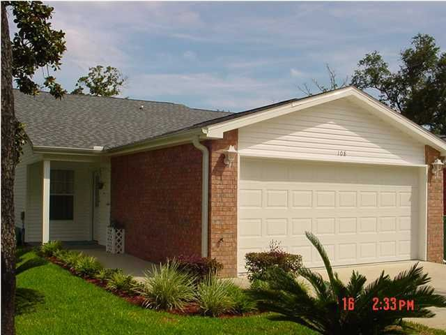 108 Andalusia Street, Mary Esther, FL 32569