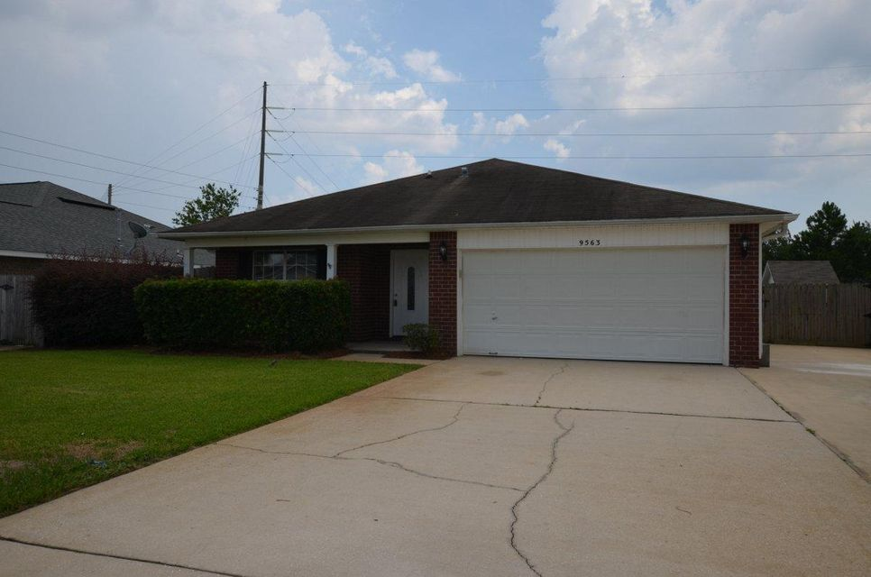 9563 Parker Place, Navarre, FL 32566