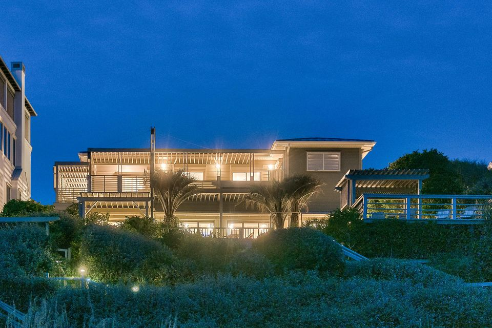 A 5 Bedroom 5 Bedroom Blue Mountain Beach Home
