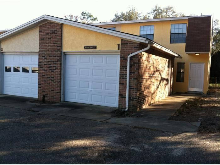 Photo of home for sale at 92 5th, Shalimar FL