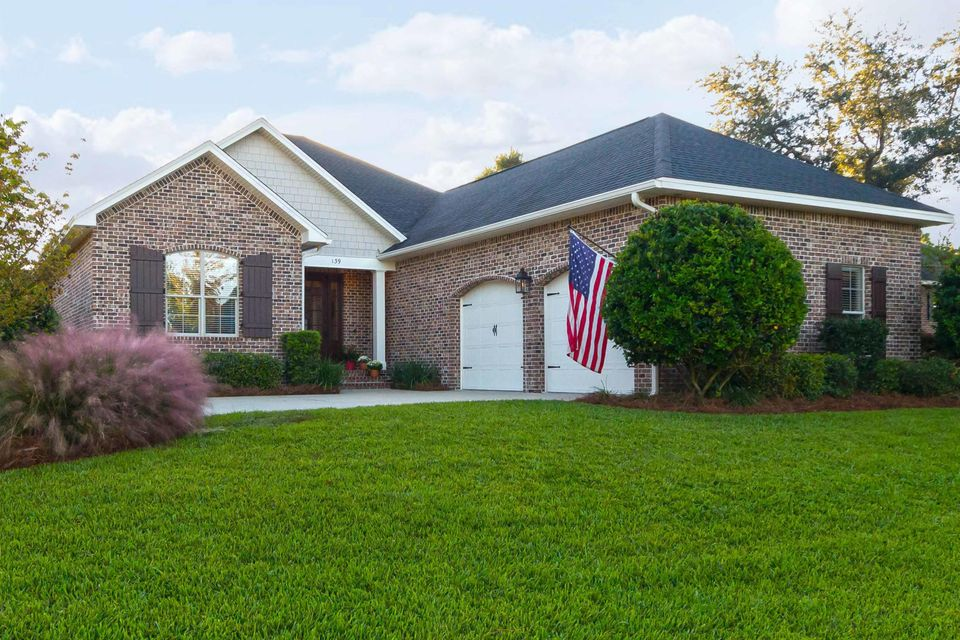 Photo of home for sale at 139 Black Bear, Niceville FL