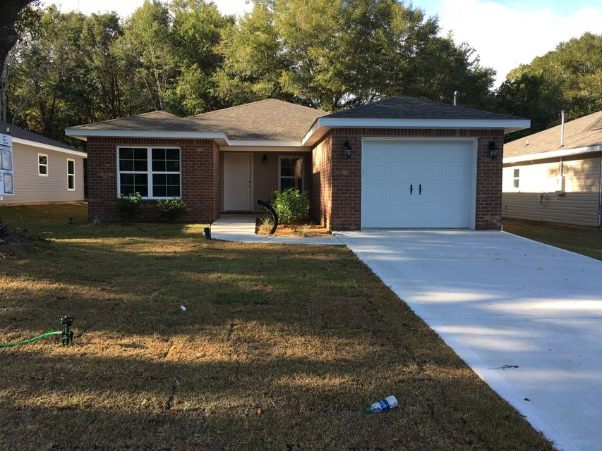 Photo of home for sale at 407 Field, Crestview FL