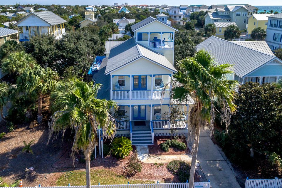 A 5 Bedroom 4 Bedroom Crystal Beach Home