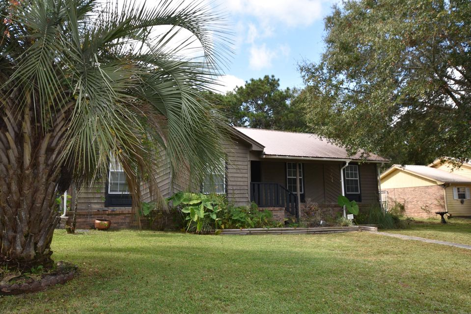 Photo of home for sale at 901 Anderson, Crestview FL