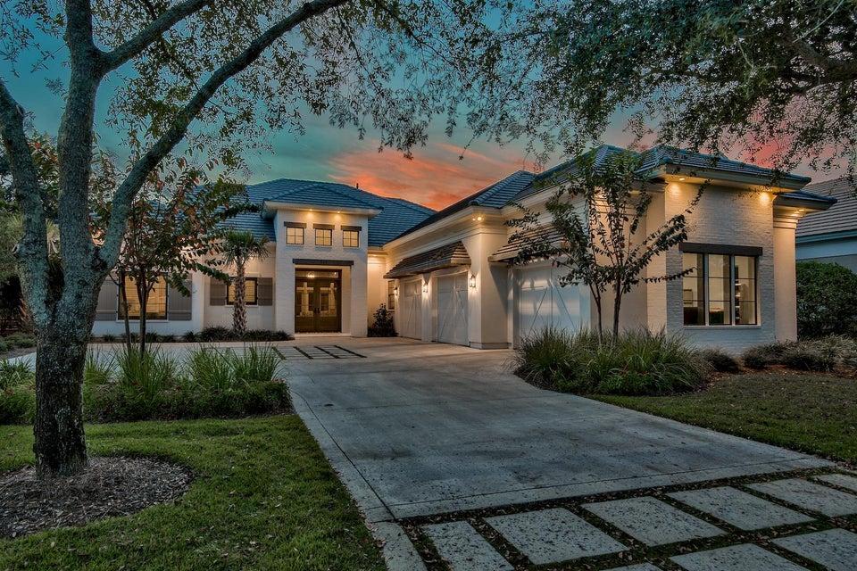 Photo of home for sale at 489 Regatta Bay, Destin FL