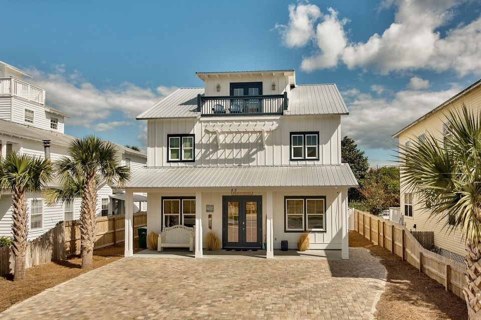 Photo of home for sale at 85 Barracuda, Destin FL