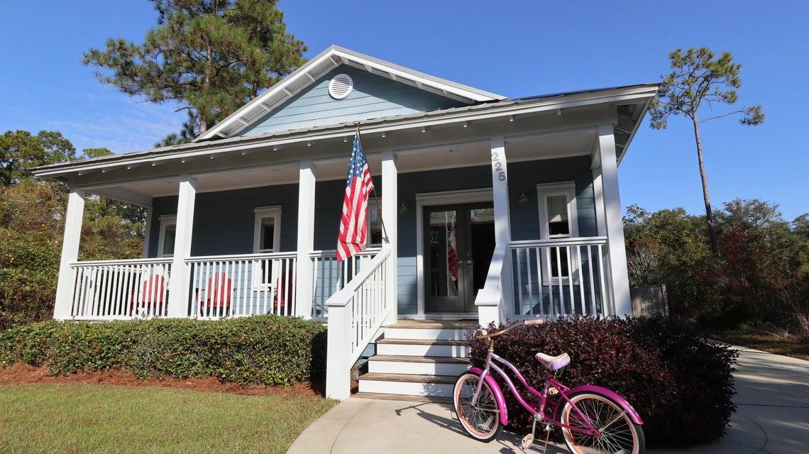 Photo of home for sale at 225 Greenbriar, Santa Rosa Beach FL