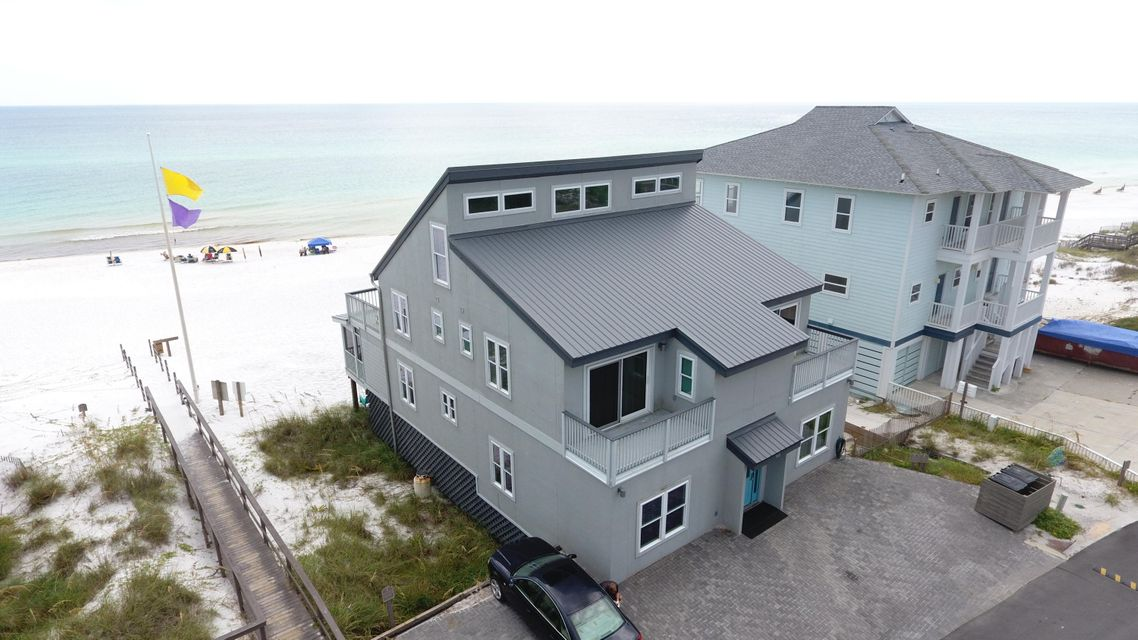 A 6 Bedroom 5 Bedroom Gulf Trace Home