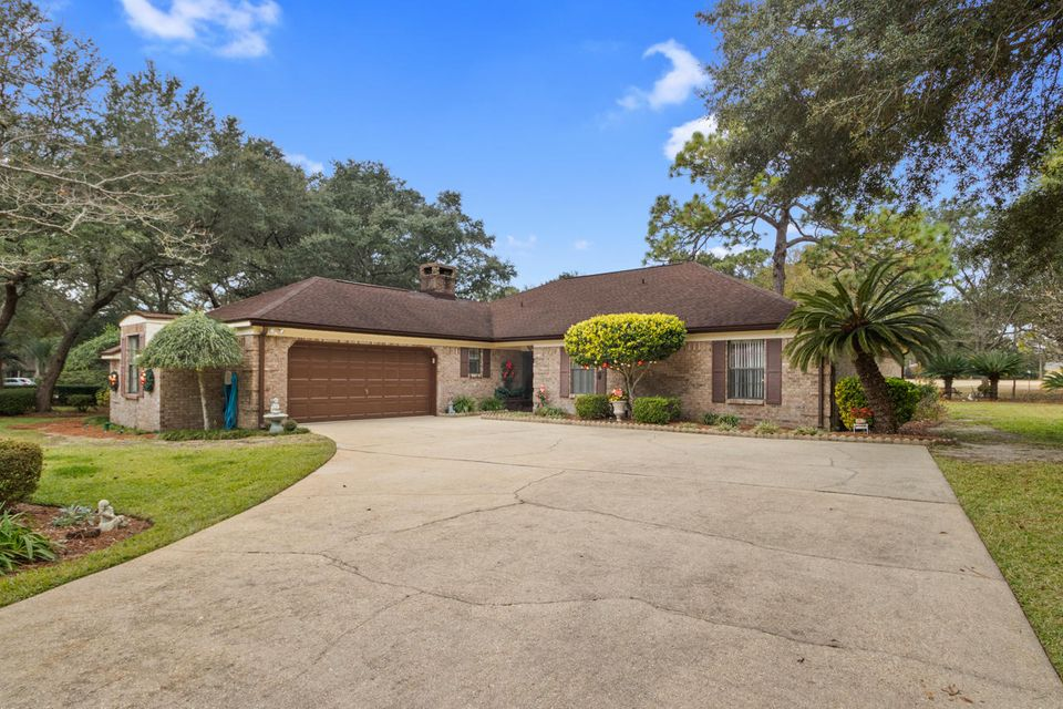 A 4 Bedroom 2 Bedroom Rocky Bayou Country Club Estates 3 Home