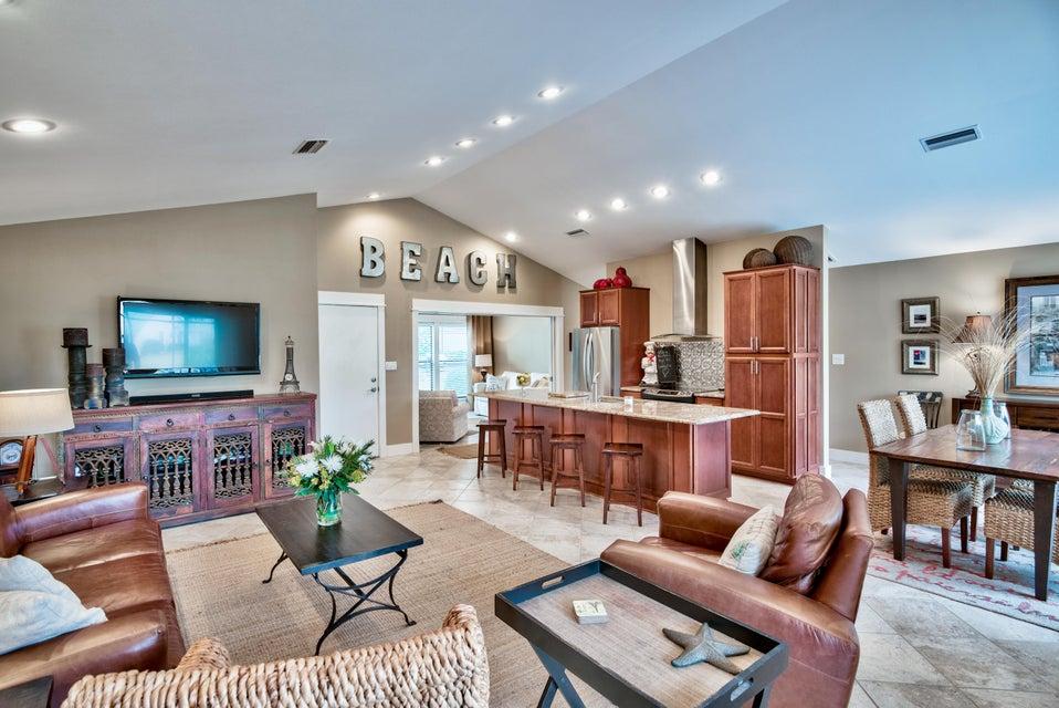 Photo of home for sale at 520 Augusta, Miramar Beach FL