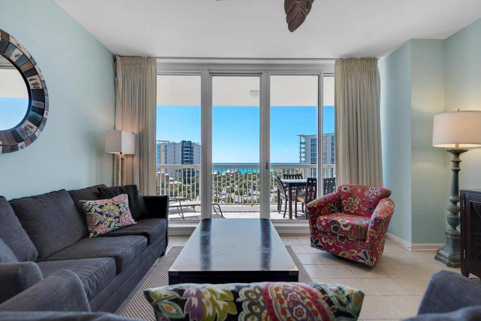 Photo of home for sale at 15100 Emerald Coast, Destin FL