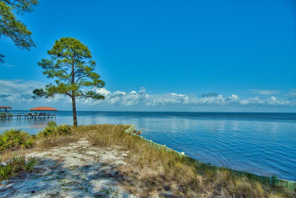 Photo of home for sale at Lot 4 Emerald Bay West Drive, Destin FL