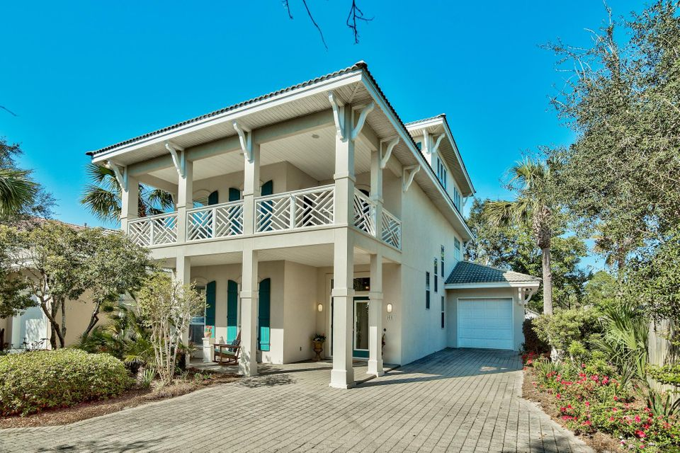 Photo of home for sale at 101 Cayman, Destin FL