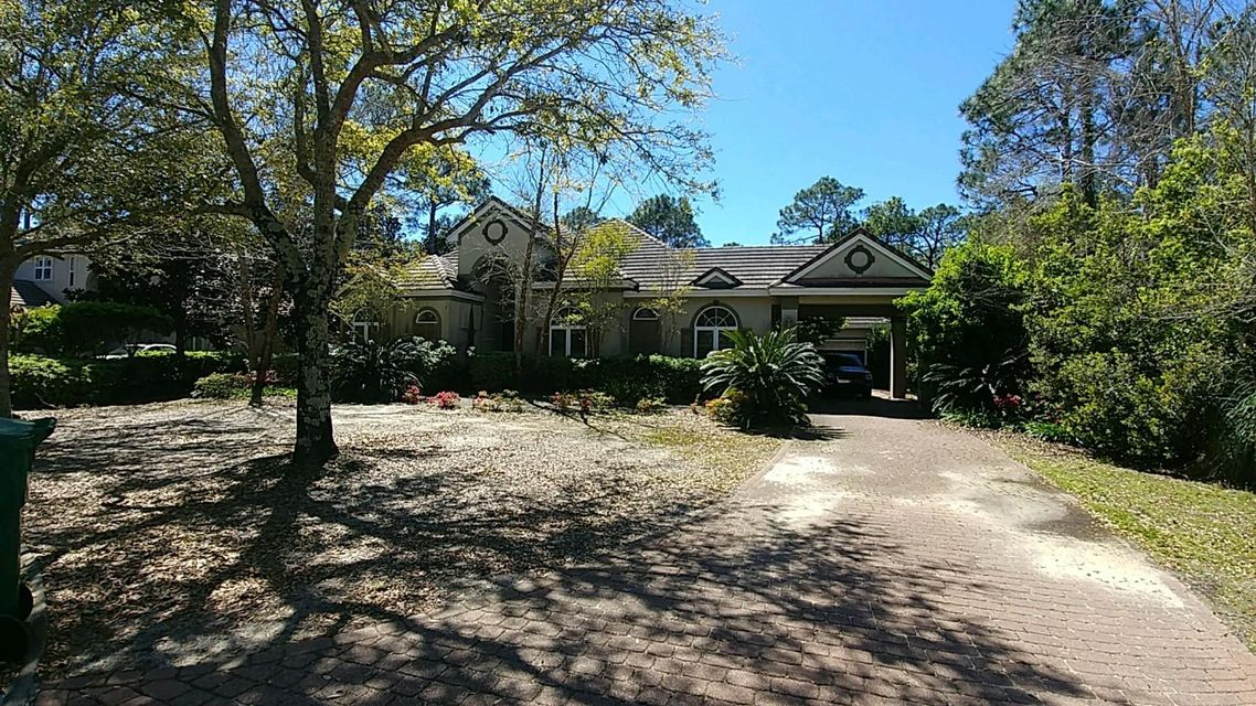 Photo of home for sale at 414 Admiral, Destin FL