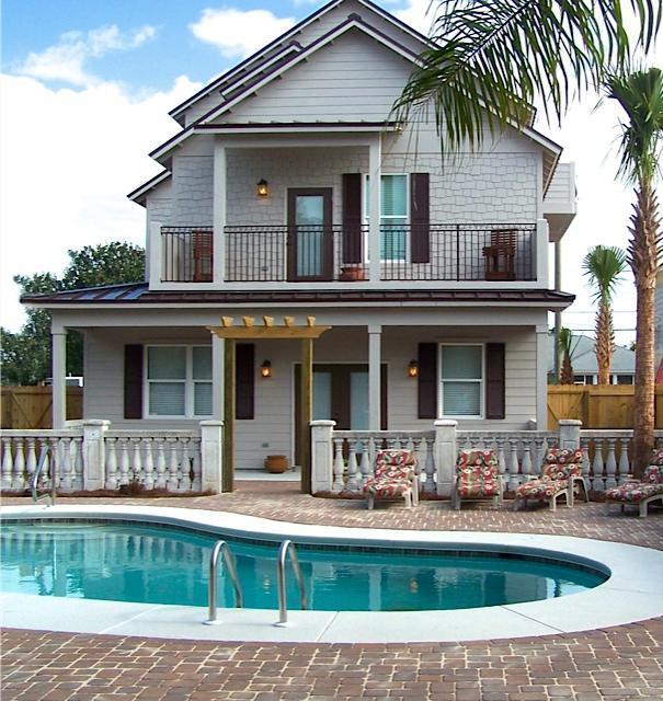 A 9 Bedroom 8 Bedroom Crystal Beach Home
