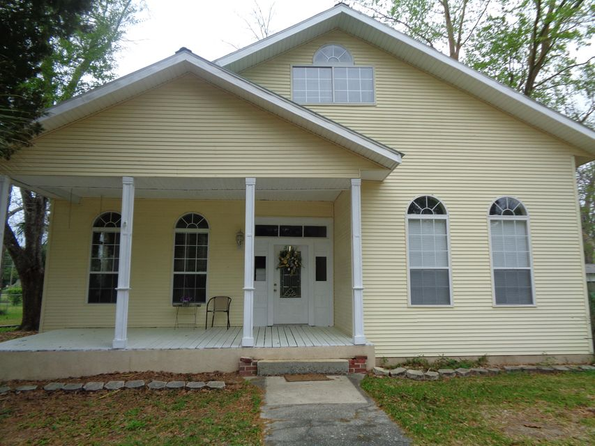 Photo of home for sale at 938 5th, Florala AL