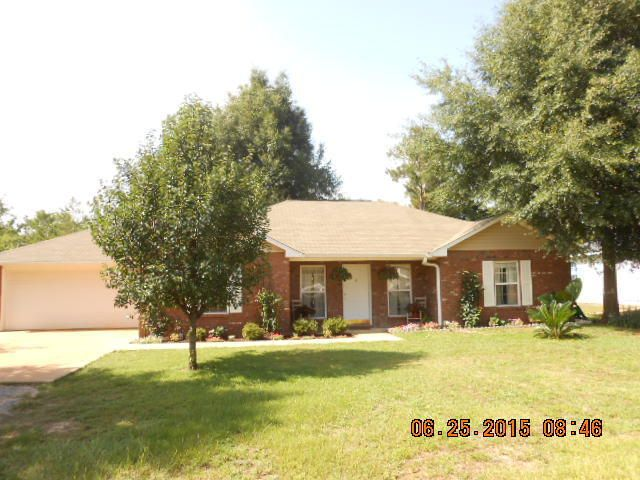 Photo of home for sale at 4622 Bobolink, Crestview FL