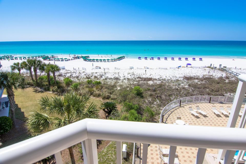 Photo of home for sale at 1111 Santa Rosa, Fort Walton Beach FL