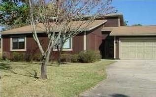Photo of home for sale at 734 Saint Thomas, Niceville FL