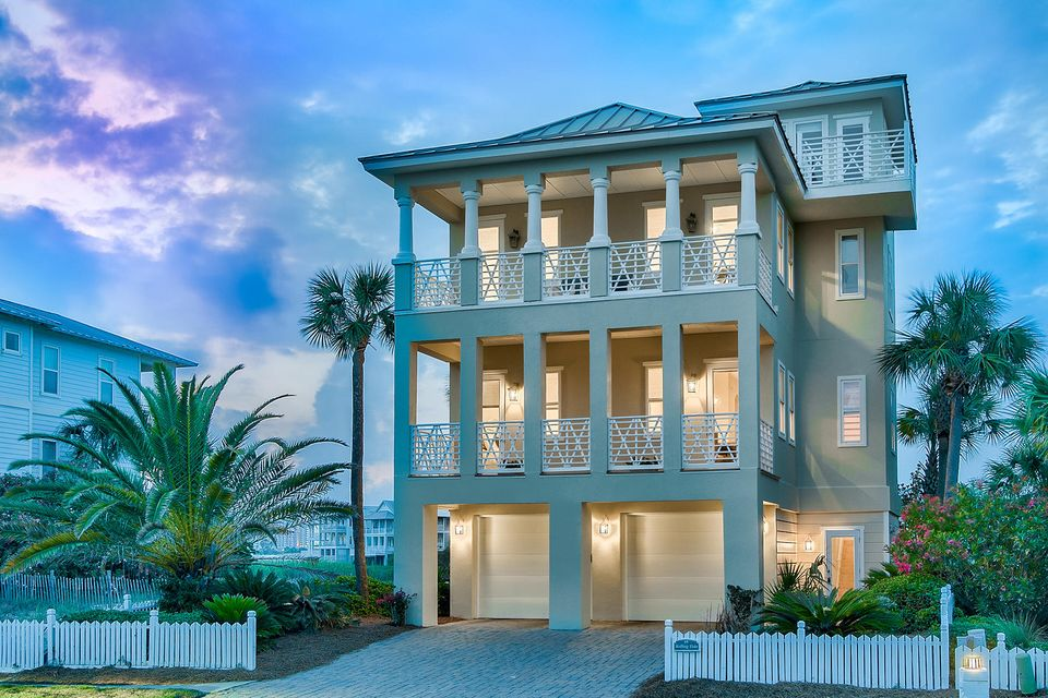Photo of home for sale at 68 Lands End, Destin FL