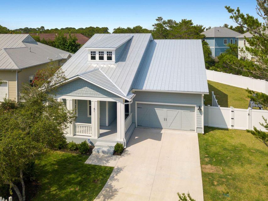 Photo of home for sale at 41 Seabreeze, Inlet Beach FL