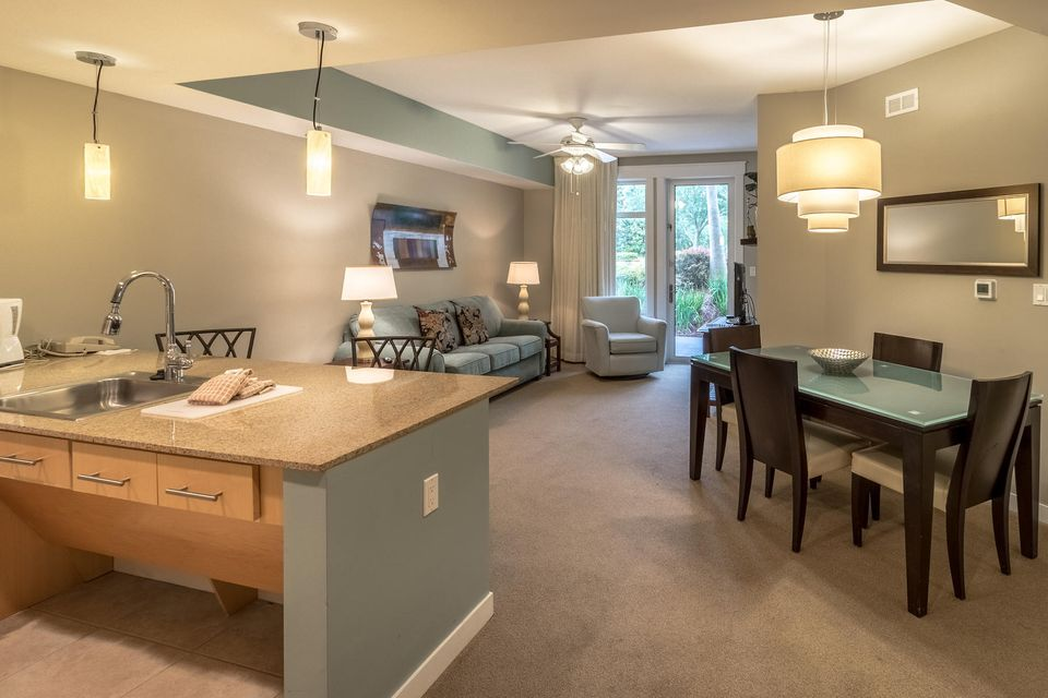 A 1 Bedroom 1 Bedroom Elation Condominium