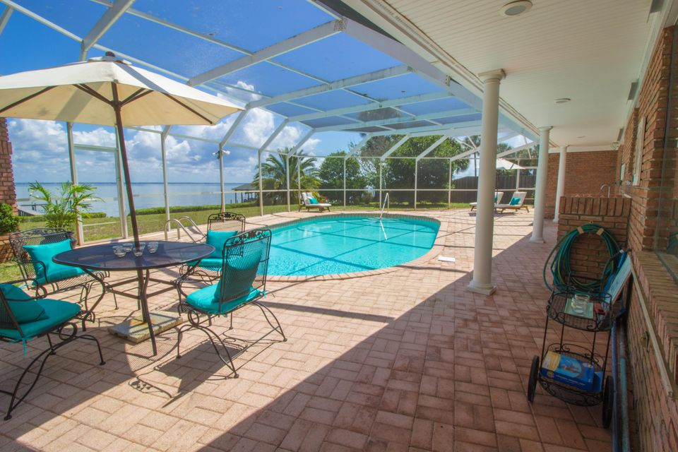 Photo of home for sale at 3929 Indian, Destin FL