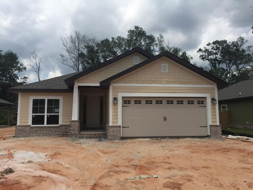 Photo of home for sale at 137 Brandywine, Freeport FL