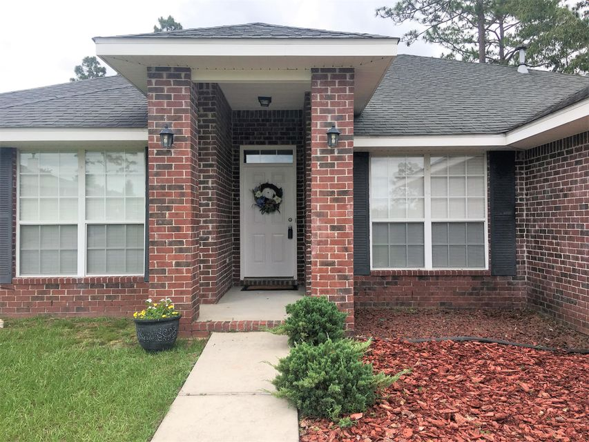 Photo of home for sale at 6225 Shire, Crestview FL