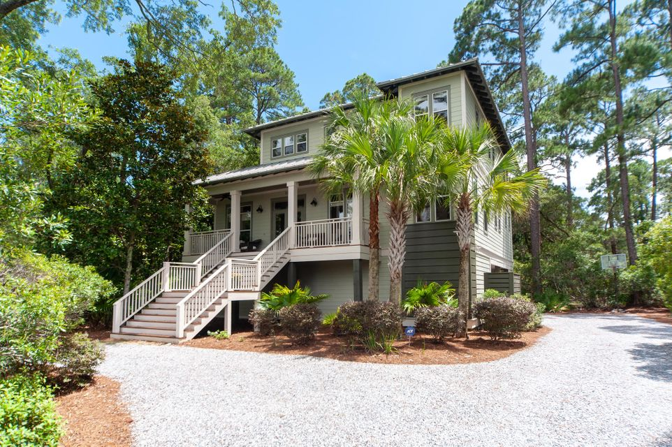 Photo of home for sale at 352 Bay Circle, Santa Rosa Beach FL