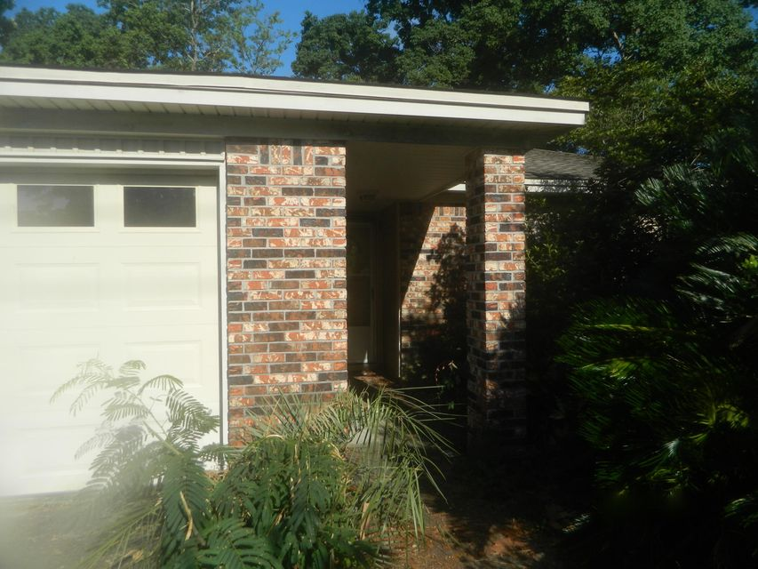 One of Niceville 3 Bedroom Homes for Sale at 1400 S Palm Boulevard