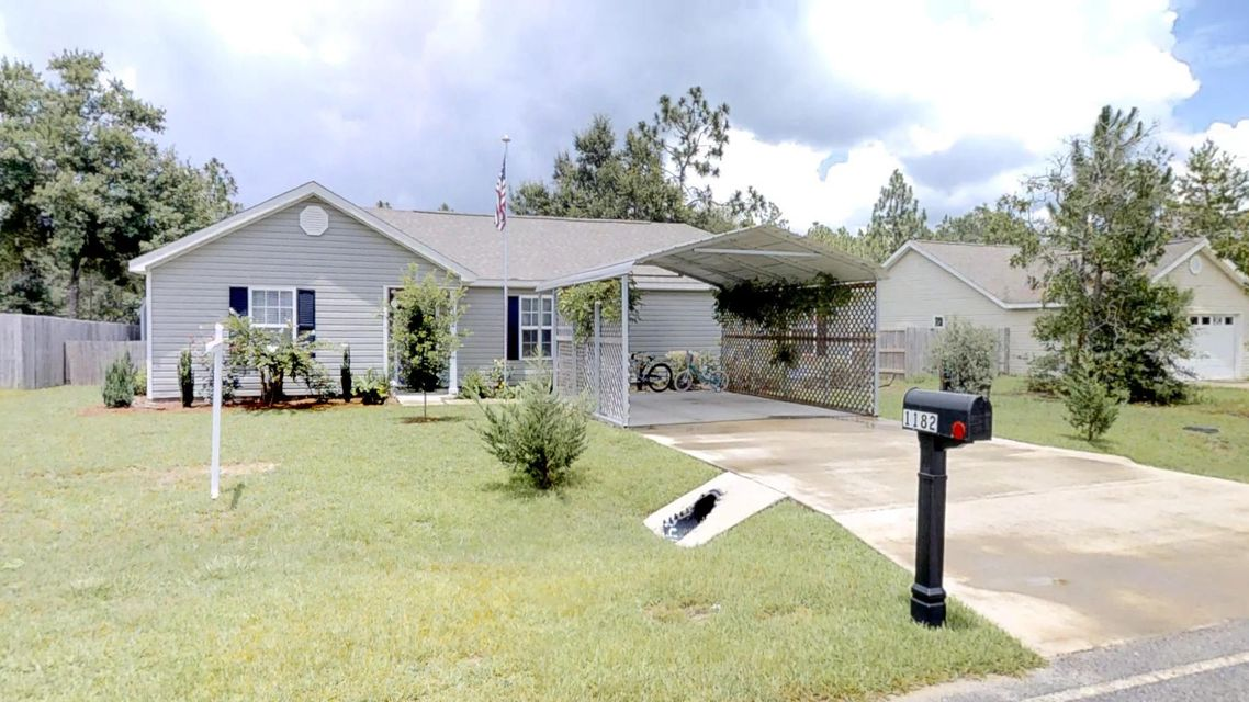 Photo of home for sale at 1182 Oakwood Lakes, Defuniak Springs FL