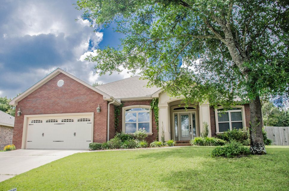 Photo of home for sale at 3726 Kittrell, Crestview FL