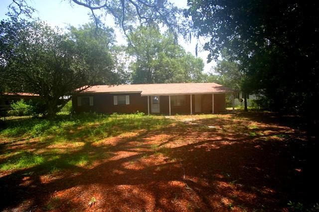 A 3 Bedroom 2 Bedroom Grey Moss Point Home