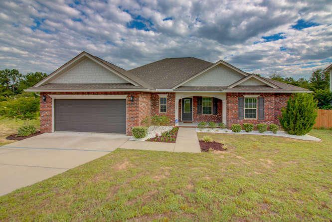 Photo of home for sale at 3368 Wild Hare, Crestview FL