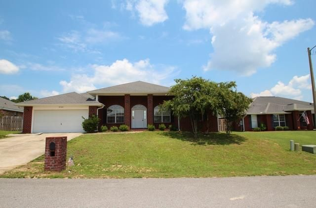 Photo of home for sale at 2142 Hagood, Crestview FL