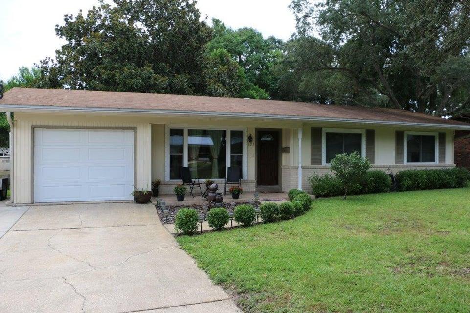 Photo of home for sale at 125 Fulmar, Fort Walton Beach FL