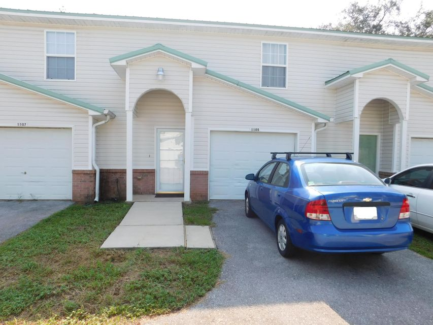Photo of home for sale at 1105 Tiki Too, Fort Walton Beach FL