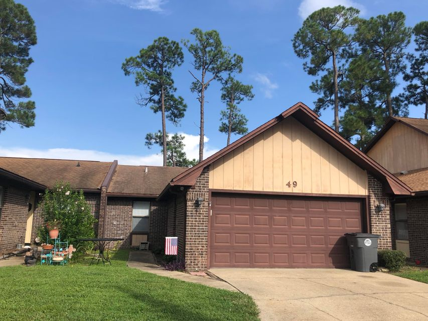 Photo of home for sale at 49 Hidden Cove, Valparaiso FL