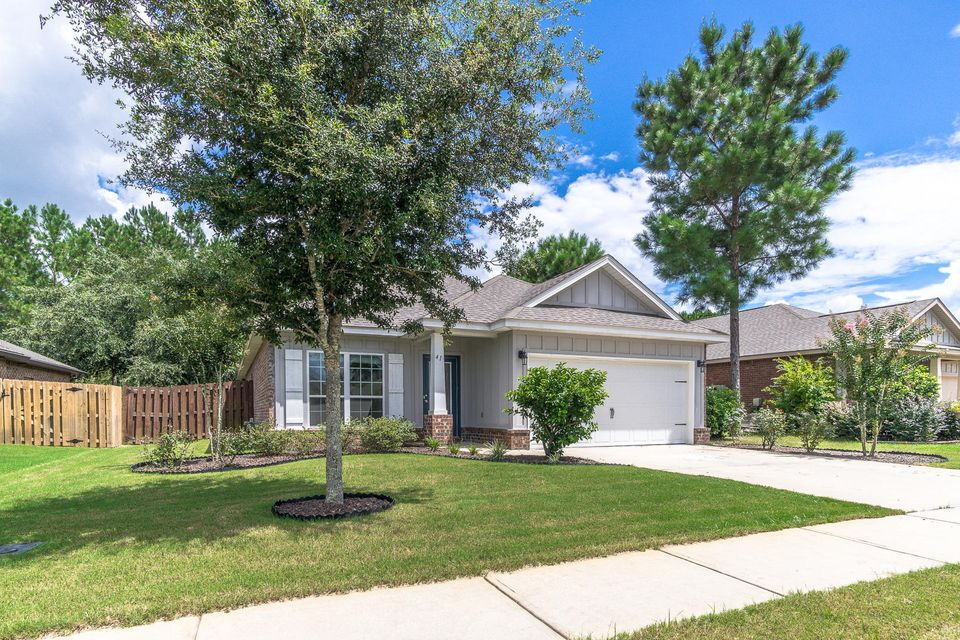 Photo of home for sale at 41 Dickens, Freeport FL