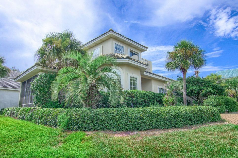 Photo of home for sale at 76 Vista Bluffs, Destin FL