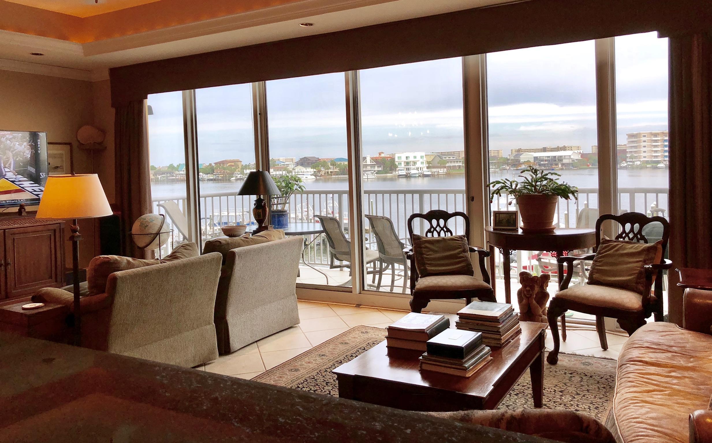 Photo of home for sale at 508 Harbor, Destin FL