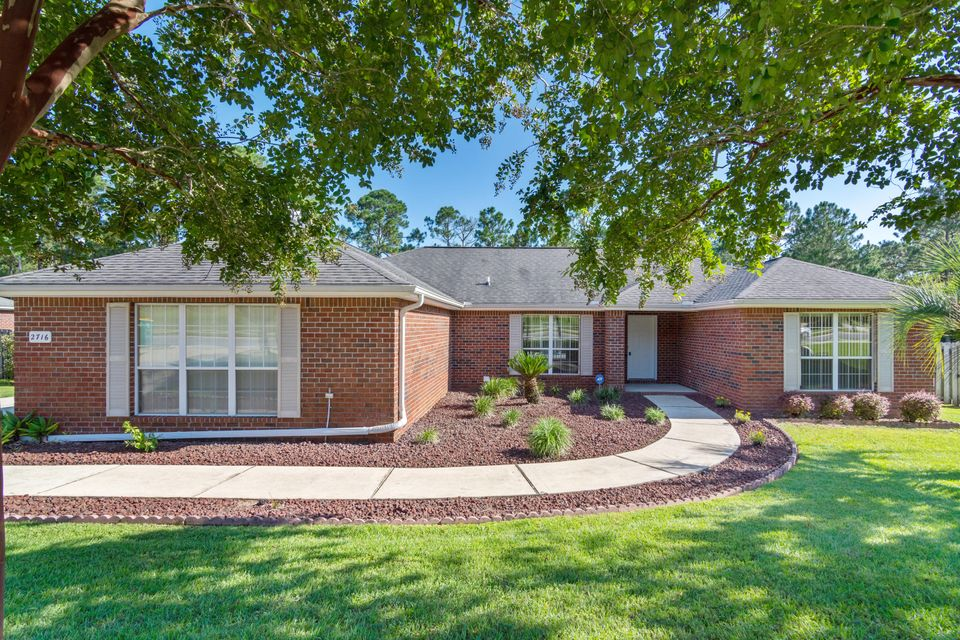Photo of home for sale at 2716 Paddock, Crestview FL
