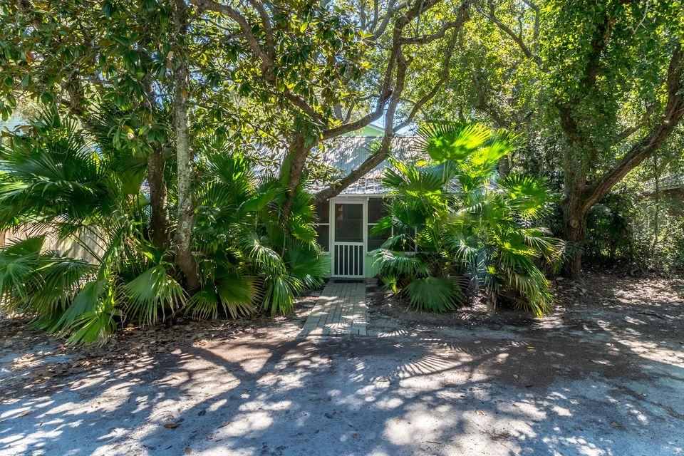 Photo of home for sale at 375 Defuniak, Santa Rosa Beach FL