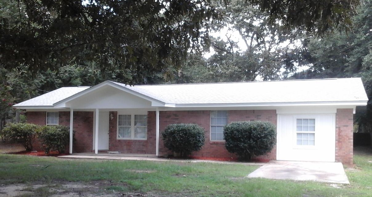 Photo of home for sale at 6115 Willow, Crestview FL